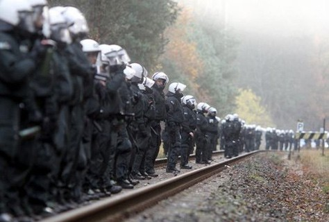 Alemania: miles de manifestantes antinucleares Thumb_474__4