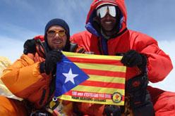 Al llarg de l'any l'estelada ha coronat<br>més de 500 cims, entre ells, l'Everest.
