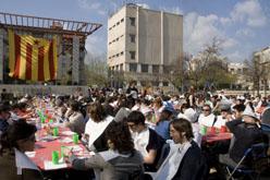 Prop de 400 persones van participar en aquest<br> àpat tan tradicional.<br>Fotografies: SIPS/Clara Griera