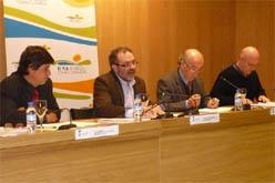 Macià, Reñé, Pagès i Rubinat durant la<br>presentació. (foto: vilaweb mollerussa)
