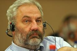 Cap dels socialistes alemanys a l'Eurocambra, Bernhard Rapkay.