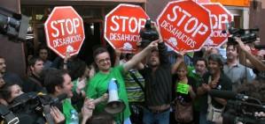 Rajoy, obligat a aturar els desnonaments