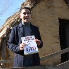 Mart� Gironell vol trencar t�pics sobre el neol�tic amb una novel�la ambientada al parc de la Draga de Banyoles