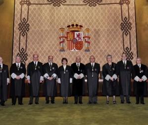Constitutional Court temporarily suspends Catalonia's self-determination consultation