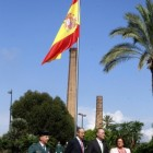 Fabra i Barber� presideixen l'hissament d'una gran bandera espanyola a Val�ncia