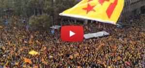 La pla�a de Catalunya retruny amb el cant dels 'Segadors'