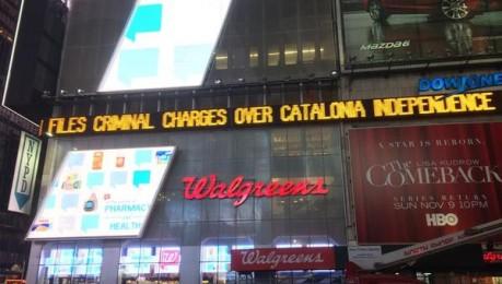 La querella contra Mas, al Times Square de Nova York