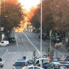 Fan xocar un cotxe amb bombones de gas contra la seu del PP a Madrid