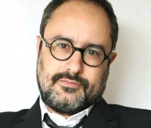 Antonio Ba�os: 'La societat civil ha d'apar�ixer ara per estirar les orelles a Mas i Junqueras'