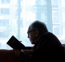 Joan Margarit: 'Qui t� por de morir �s el jove. El vell �s conscient que l'espelma s'acaba i aix� �s un descans'