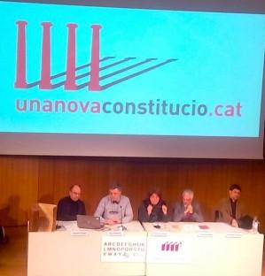 Santiago Vidal presenta la proposta de constituci� amb l'amena�a del poder judicial